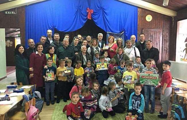 Bosna Sancak derneği ve derneğimiz ortaklaşa bosnada savaş mağduru çocuklara kıyafet ,oyuncak ve hastaneye diyaliz yatağı bağışları yapıldı.Türk konsolosu ve belediye başkanlarıyla görüşüldü.